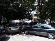 Има ли незаконен паркинг срещу съда